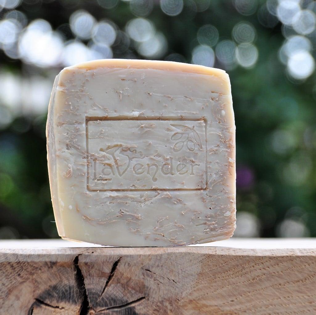 סבון טבעי משמן זית עם ספוג ליפה, סבון רחצה פילינג, סבון רחצה עם ספוג