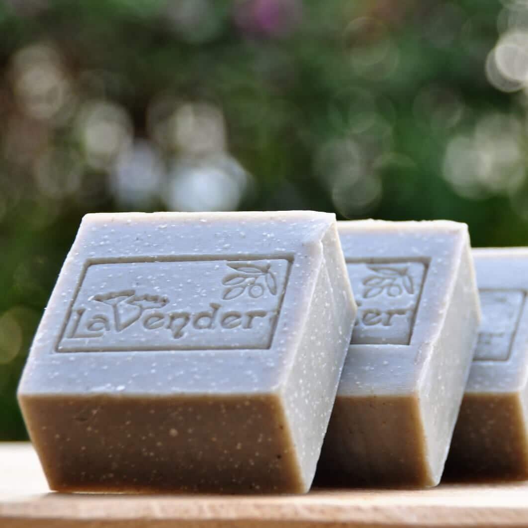 סבון מוצק משמן זית עם בוץ ים המלח - לבנדר קוסמטיקה טבעית