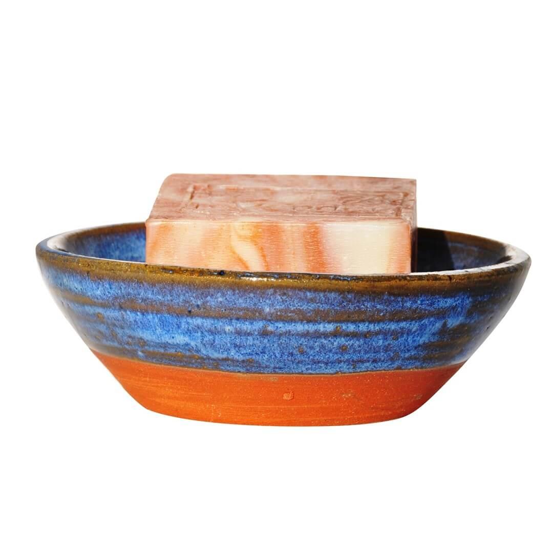 סבונייה מקרמיקה עם סבון טבעי - לבנדר קוסמטיקה טבעית